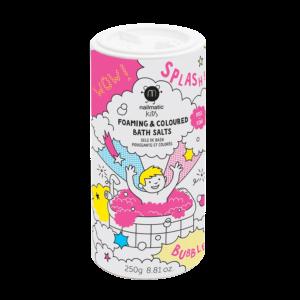 NAILMATIC KIDS Sels de bain moussants roses Et si le bain se transformait en incroyabulle ballet aquatique ? Il suffit d'une pincée de sel et Abracadabra : place à un véritable nuage mousseux tout rose ! La potion magique pour des éclats de rires garantis !