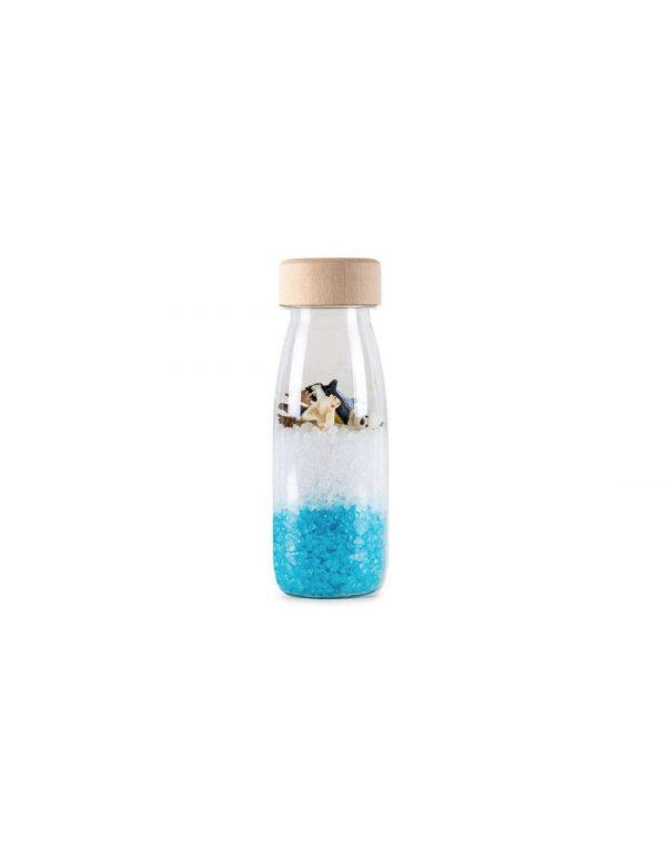 Découvrez la bouteille sensorielle arctic de Petit Boum, une activité d'éveil basé sur le visuel avec cette bouteille d'espionnage sur le thème de la banquise, des animaux à rechercher et à observer à partir de 18 mois. Une bouteille à secouer qui va stimuler le sens auditif de votre enfant qui va aussi explorer chaque détail et se détendre en observant son contenu. Un mini-laboratoire sensoriel pour les petits curieux. Fabriquée à la main et avec amour en Espagne, chaque bouteille sensorielle Petit Boum contient un univers de découvertes, couleurs, lumière et magie pour les enfants. Elles activent l'imagination, la créativité et éveillent la curiosité innée des plus petits.